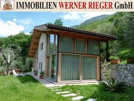 angebote gardasee und umgebung rusticos villa rustico. Black Bedroom Furniture Sets. Home Design Ideas